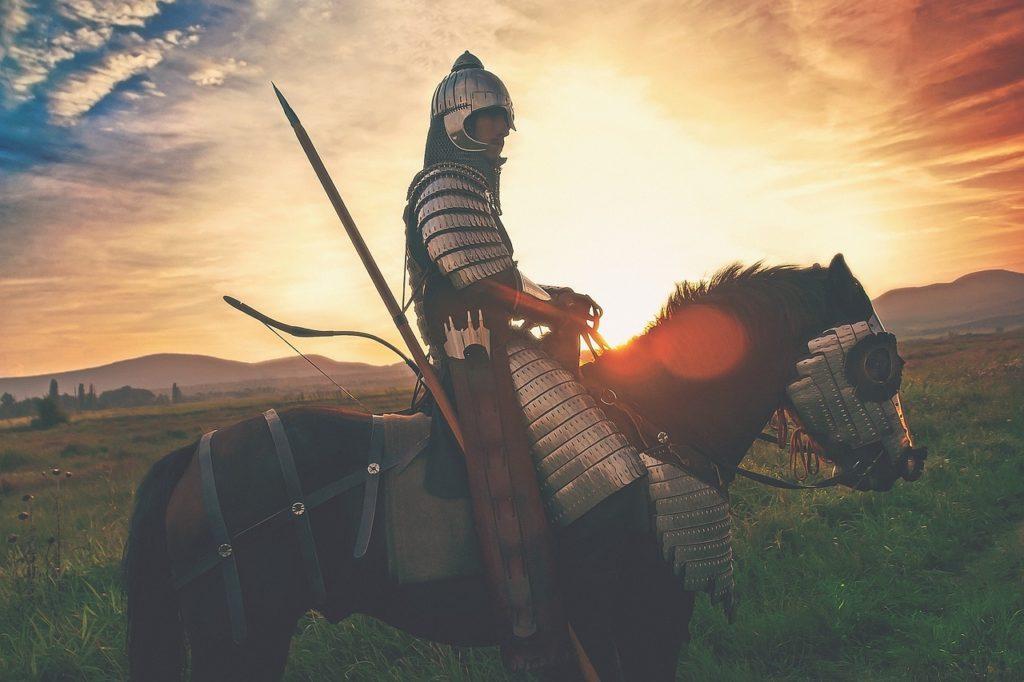 後光を浴びる騎士の画像