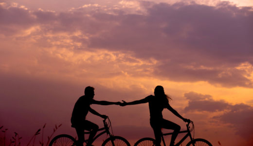 自転車カップル画像